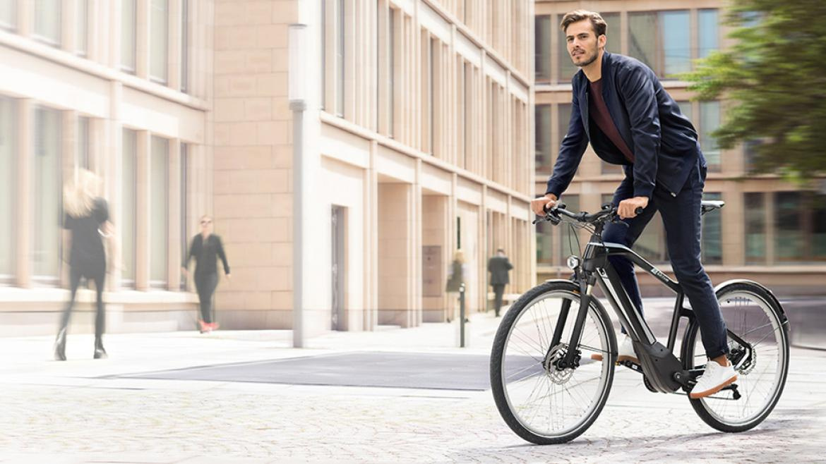BMW LifestyleBMW ACTIVE HYBRID E-BIKE.